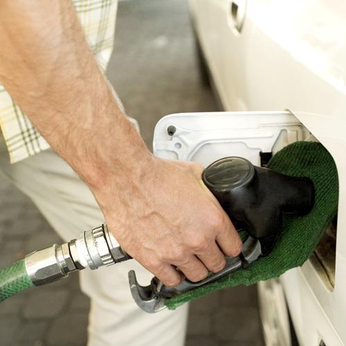 Como ahorrar combustible: 10 consejos prácticos
