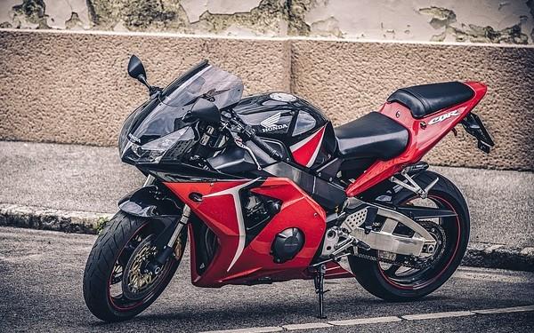 como ahorrar gasolina con la moto