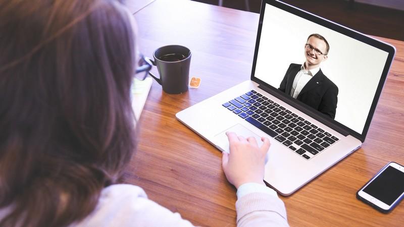 entrevista de trabajo por videollamada