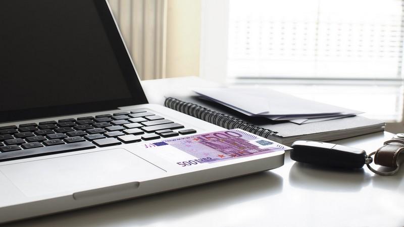ganar dinero con una página web